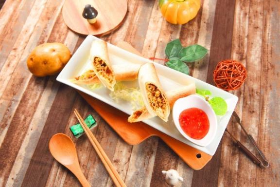Lacuz 泰式料理吃到飽餐廳