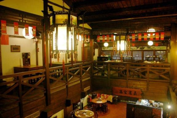 新梅龍鎮復古餐廳 環境